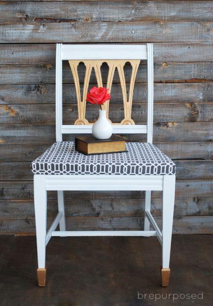 Decorar uma cadeira velha de madeira pode ser a saída para renovar a decoração de seus ambientes (Foto: brepurposed.com)