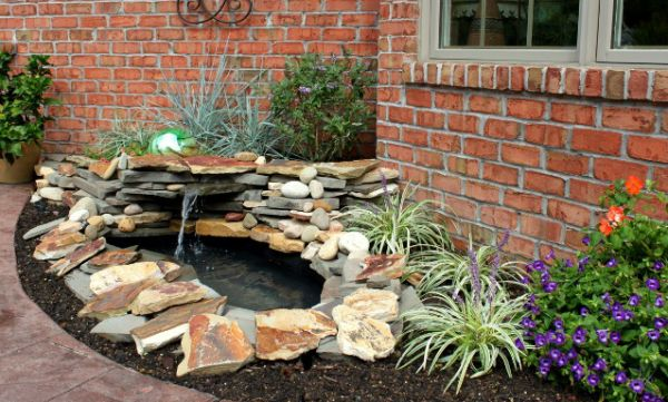 Decora o e projetos como montar um projeto de paisagismo for Koi pond pool table