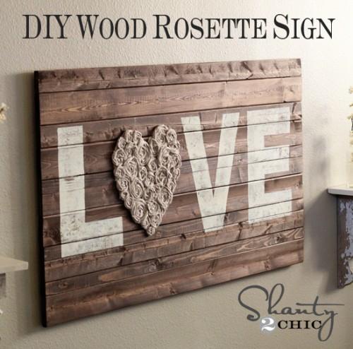 Decoração rústica e barata pode ser conseguida com uma plaquinha de madeira (Foto: shanty-2-chic.com)