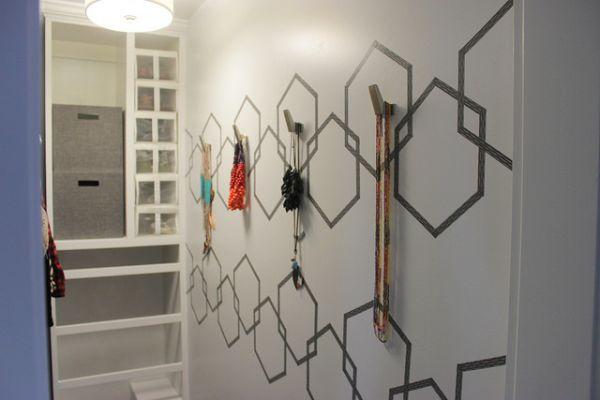 Decoração de parede com fitas pode ter o estilo que você quiser (Foto: pneumaticaddict.com)