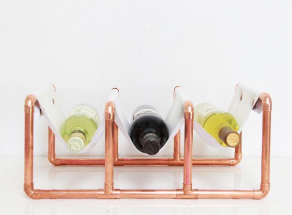 Suporte de mesa para garrafa de vinho é lindo e útil (Foto: abubblylife.com)