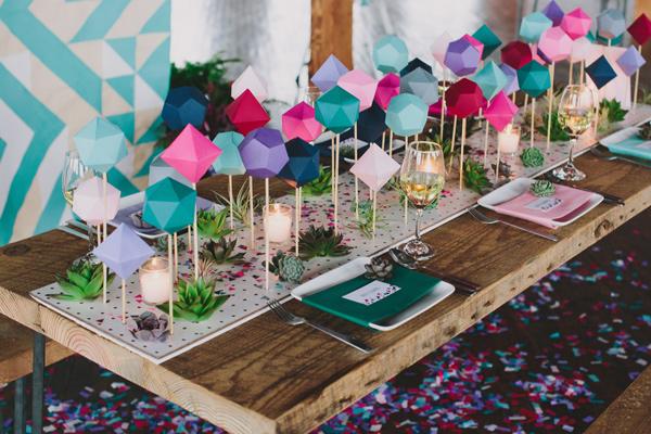 Decoração com painel de madeira é diferente, bonita e funcional (Foto: decoratingyoursmallspace.com)