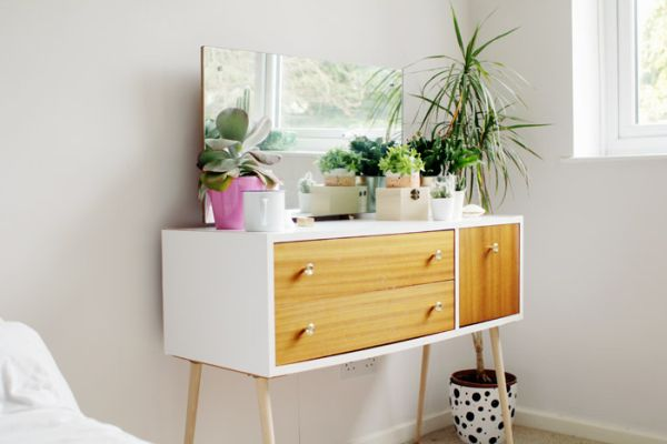 Opte por esta ideia de pintura moderna para móveis antigos para renovar os seus espaços (Foto: fallfordiy.com)