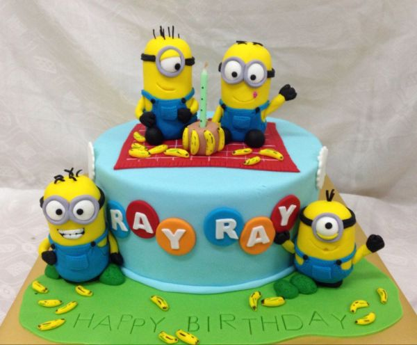 Há lindos bolos decorados para festa infantil dos Minions, escolha o seu preferido (Foto: birthdayexpress.com)