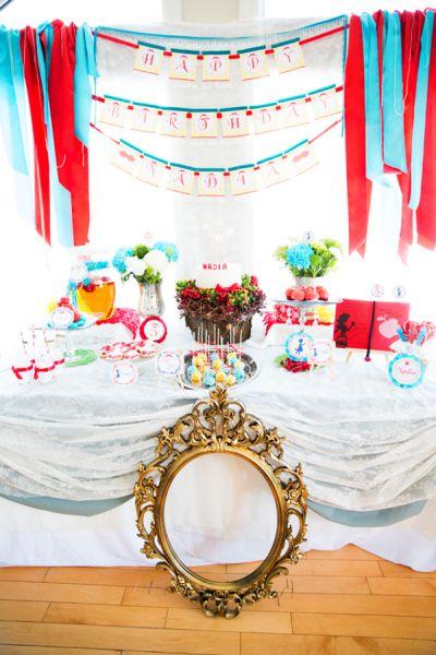 Decoração de aniversário infantil Branca de Neve é fofa e deixa a sua menina muito feliz (Foto: blog.hwtm.com)