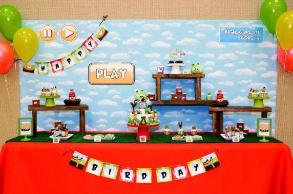 A decoração para festa infantil tema Angry Birds diverte muito os pequenos (Foto: andersruff.com)