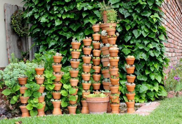 Ideais baratas para decorar o jardim não faltam e você pode investir