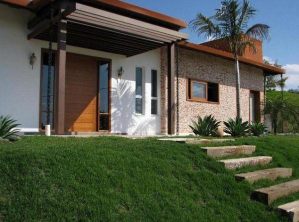 Decora o e projetos decora o de fachadas de casas com for Frente casa moderna