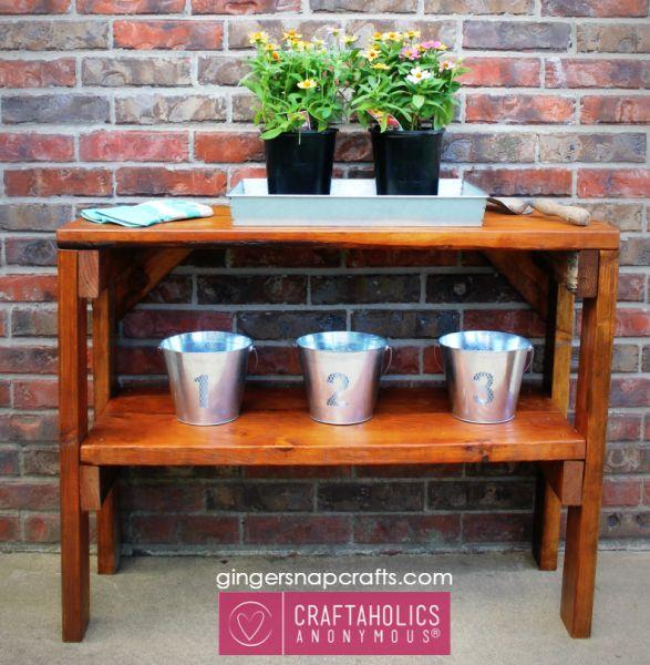 Faça seu aparador de madeira em casa e surpreenda positivamente a todos, pelo seu capricho (Foto: craftaholicsanonymous.net)