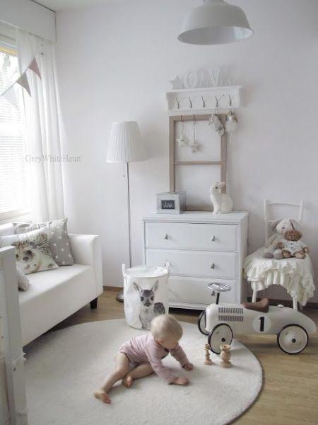 Decorações de quarto de bebê simples podem também ser muito interessantes (Foto: pinterest.com)