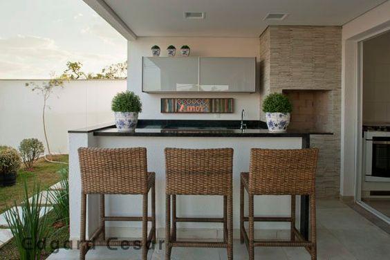 Há inúmeras alternativas para decoração de ambientes externos com churrasqueira, escolha a que mais se enquadra com o seu estilo (Foto: pinterest.com)