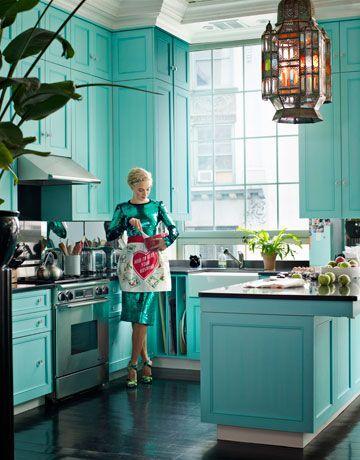 Aposte em um dos inúmeros projetos de cozinha com parede decorada, aquele que tem mais em comum com você (Foto: pinterest.com)