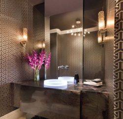 A decoração com flores para banheiro é linda e delicada (Foto: pinterest.com)