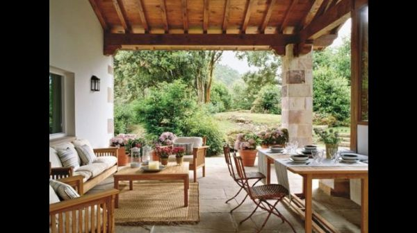 mesas na varanda