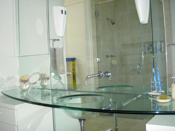 pia de banheiro transparente
