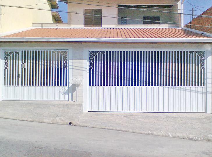 portão residencial claro