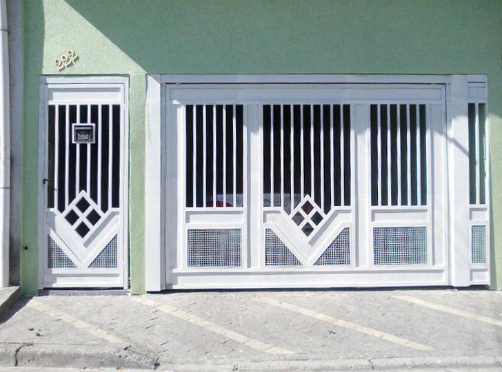 portão residencial com motivos de losango