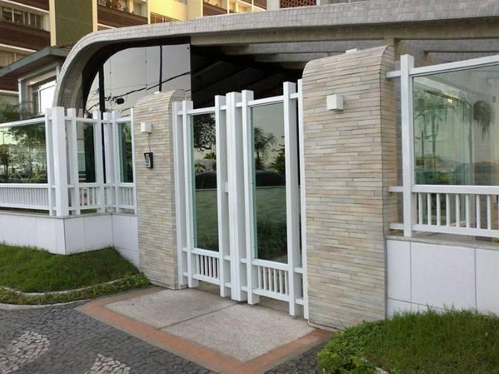 portao de entrada com vidro