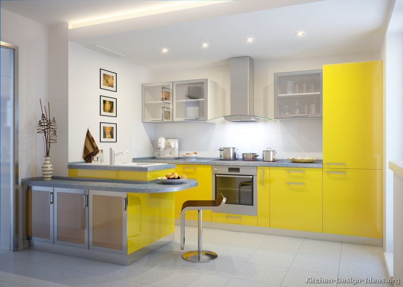 cozinha amarela com balcão