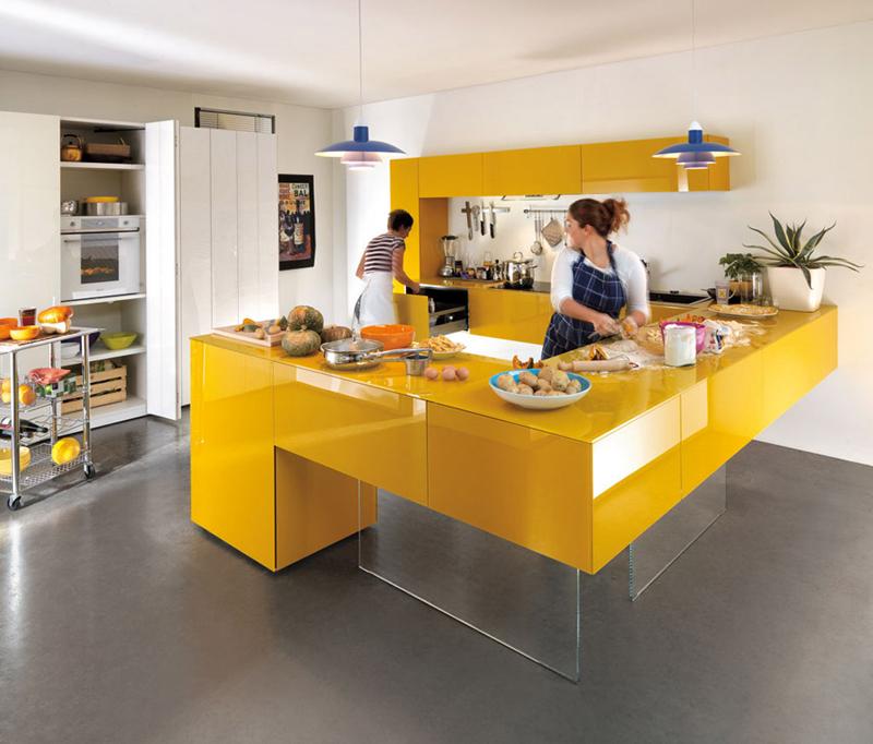 cozinha amarela com mesa