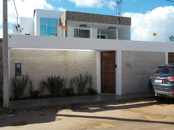 muro de residência branco