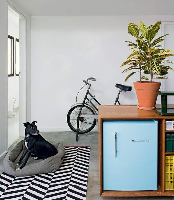 plantas de apartamento amarela