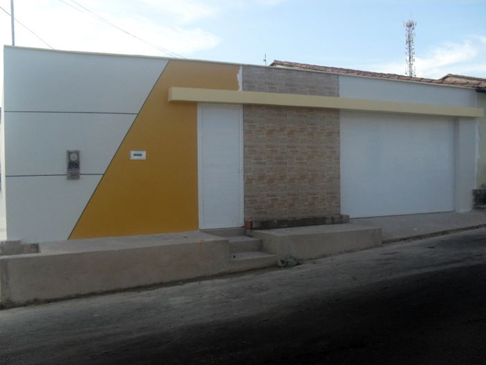 muro de residência mostarda e branco