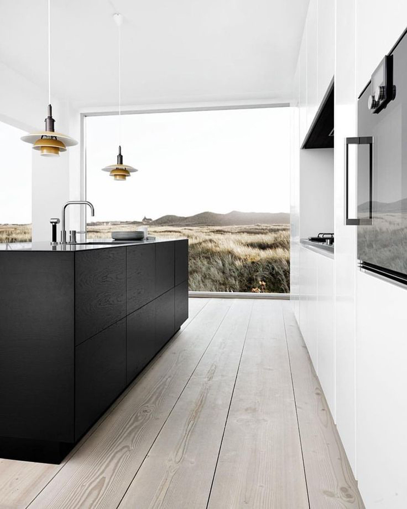 cozinha branca e preta minimalista