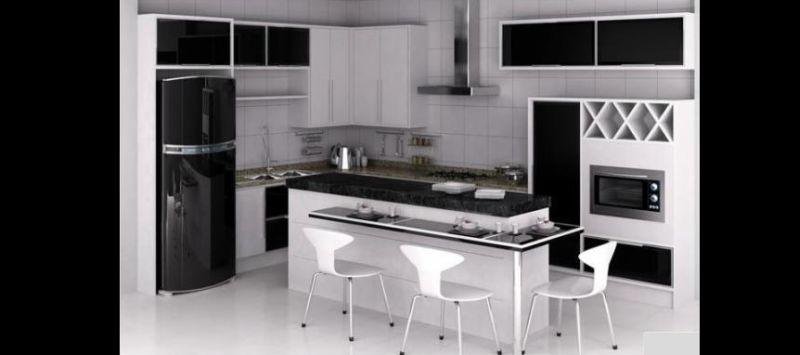 cozinha branca e preta pequena
