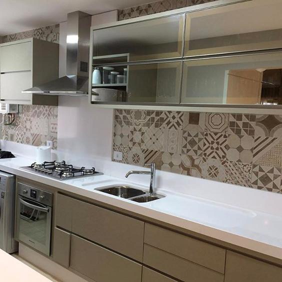 revestimento para parede de cozinha marrom