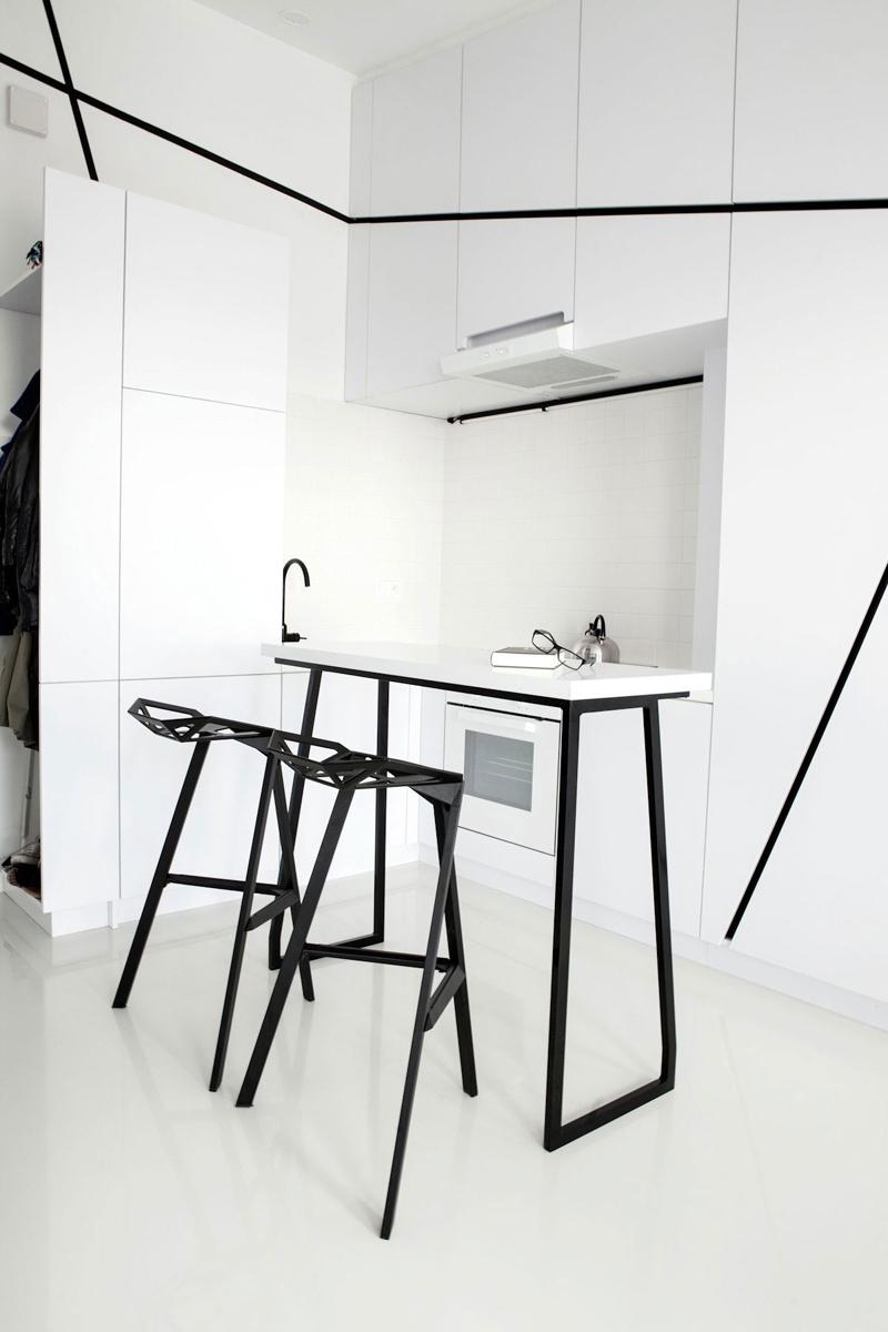 cozinha branca e preta compacta
