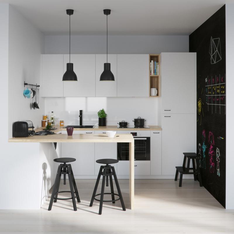 cozinha branca e preta com lousa