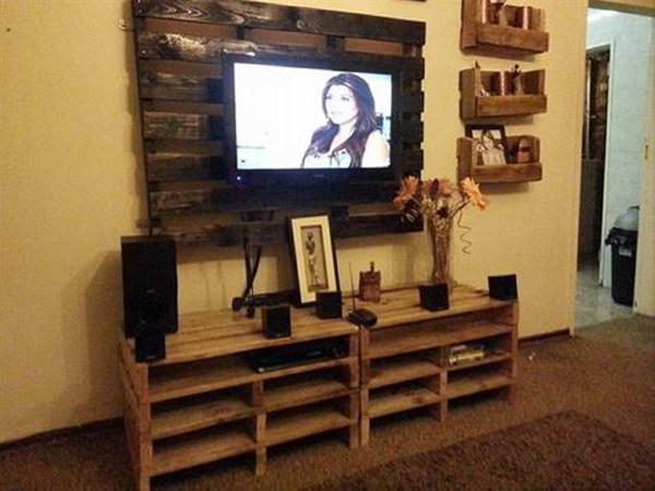 decoração com paletes e caixotes tv