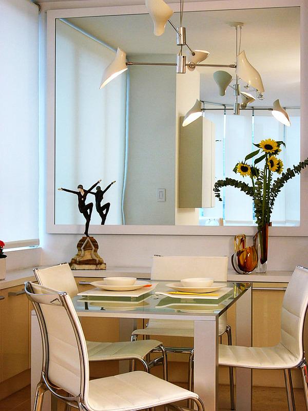 sala pequena com espelho jantar