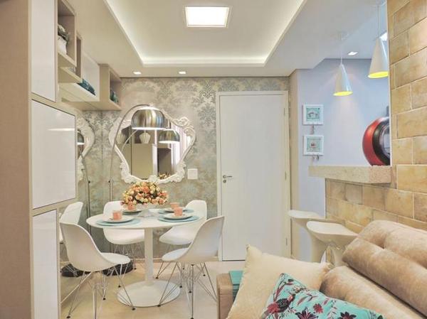sala pequena com espelho ambientes