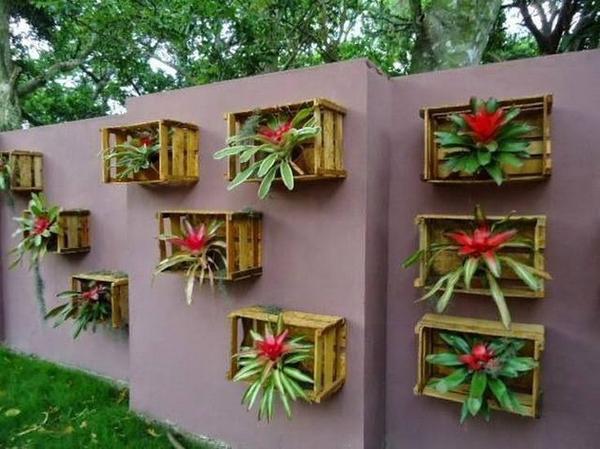 decoração com paletes e caixotes muro