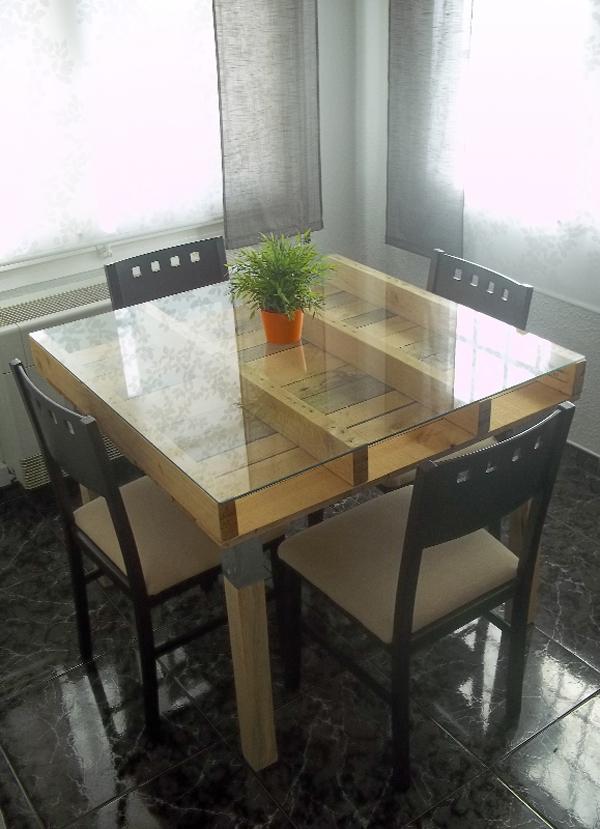 decoração com paletes e caixotes mesa