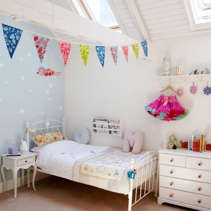 quarto de menina bem simples