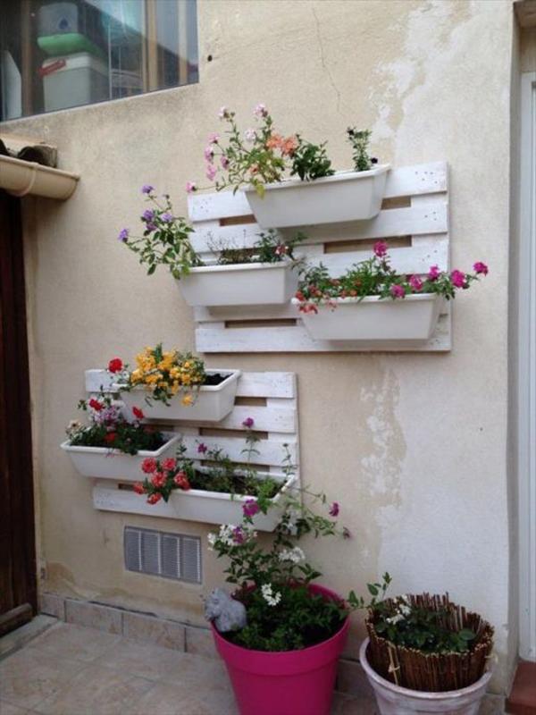 decoração com paletes e caixotes jardim
