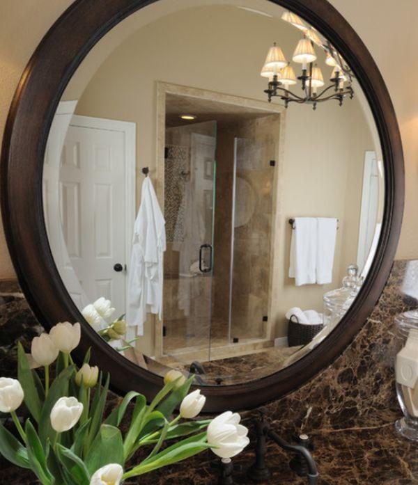 espelho de banheiro de madeira
