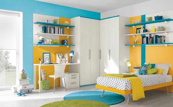 prateleira de quarto colorida