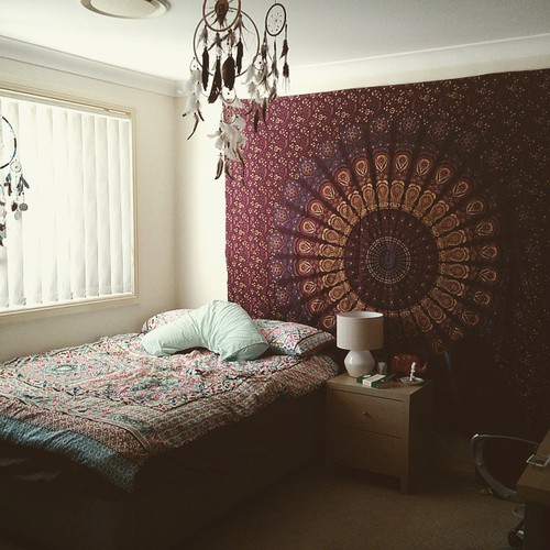 quarto hippie com tecido