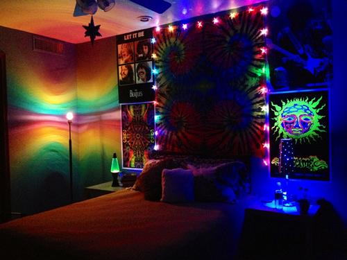 quarto hippie colorido
