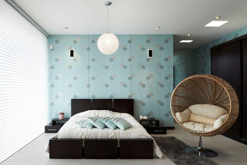 parede com tecido azul