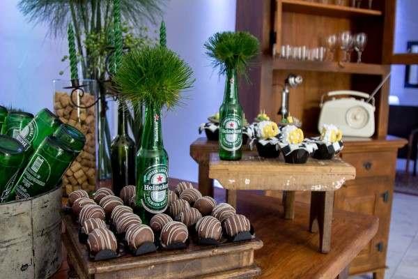 como decorar com garrafas de cerveja