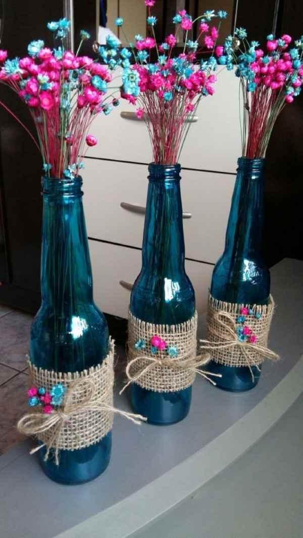 garrafa de cerveja azul decorada