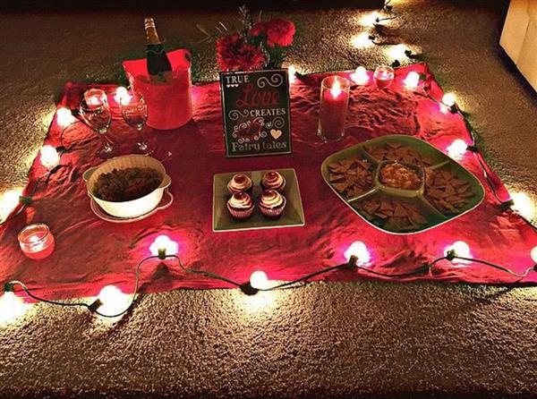 Jantar Romântico no Quarto