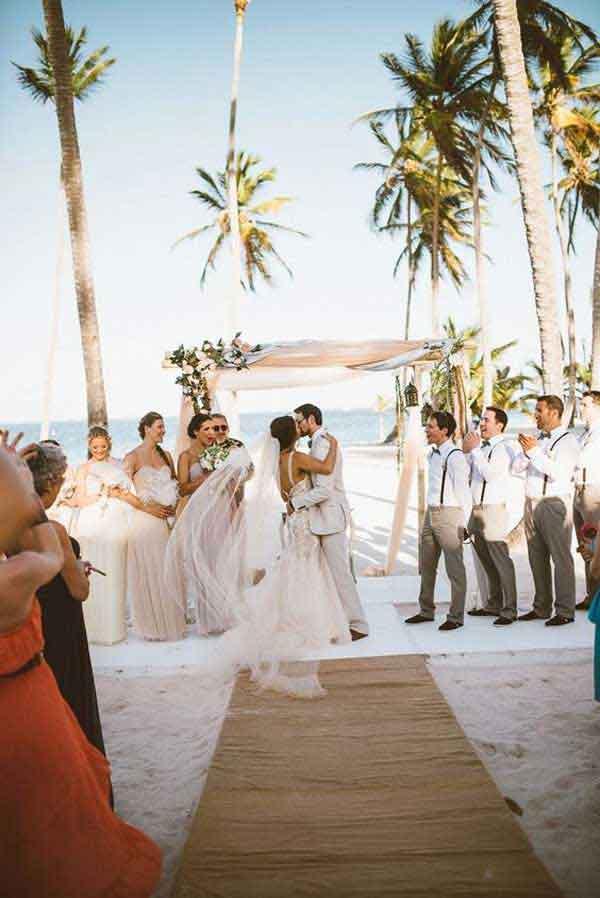Casamento em beira mar