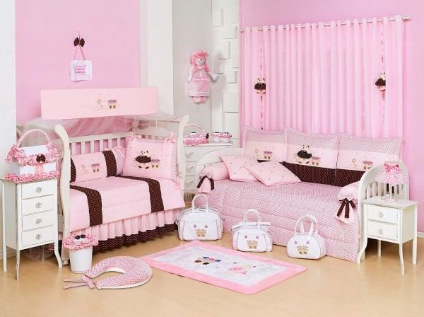 quarto feminino bebê rosa e marrom