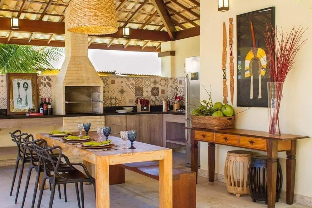 espaço gourmet rústico com churrasqueira